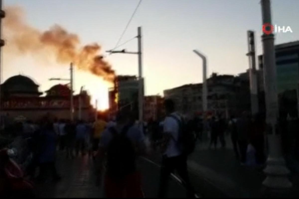 Taksim'de otelde korkutan yangın
